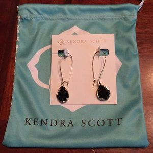 Kendra Scott Dee Earrings.